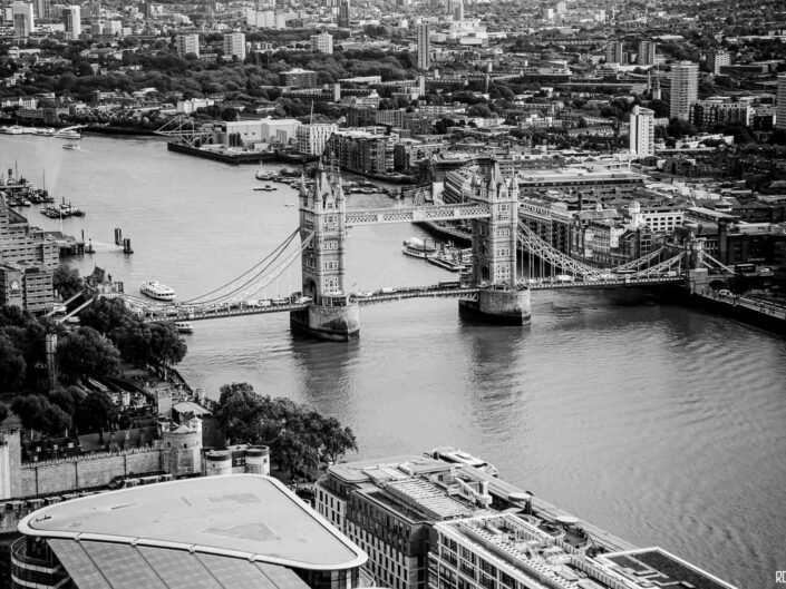 London-photo-skyline-towerbridge