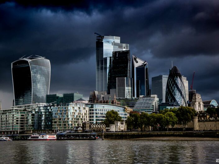 London-photo-skyline-dark-clouds