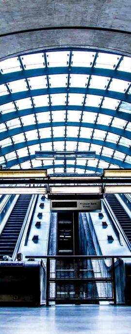 London-photo-canary-wharf-urban-escalator