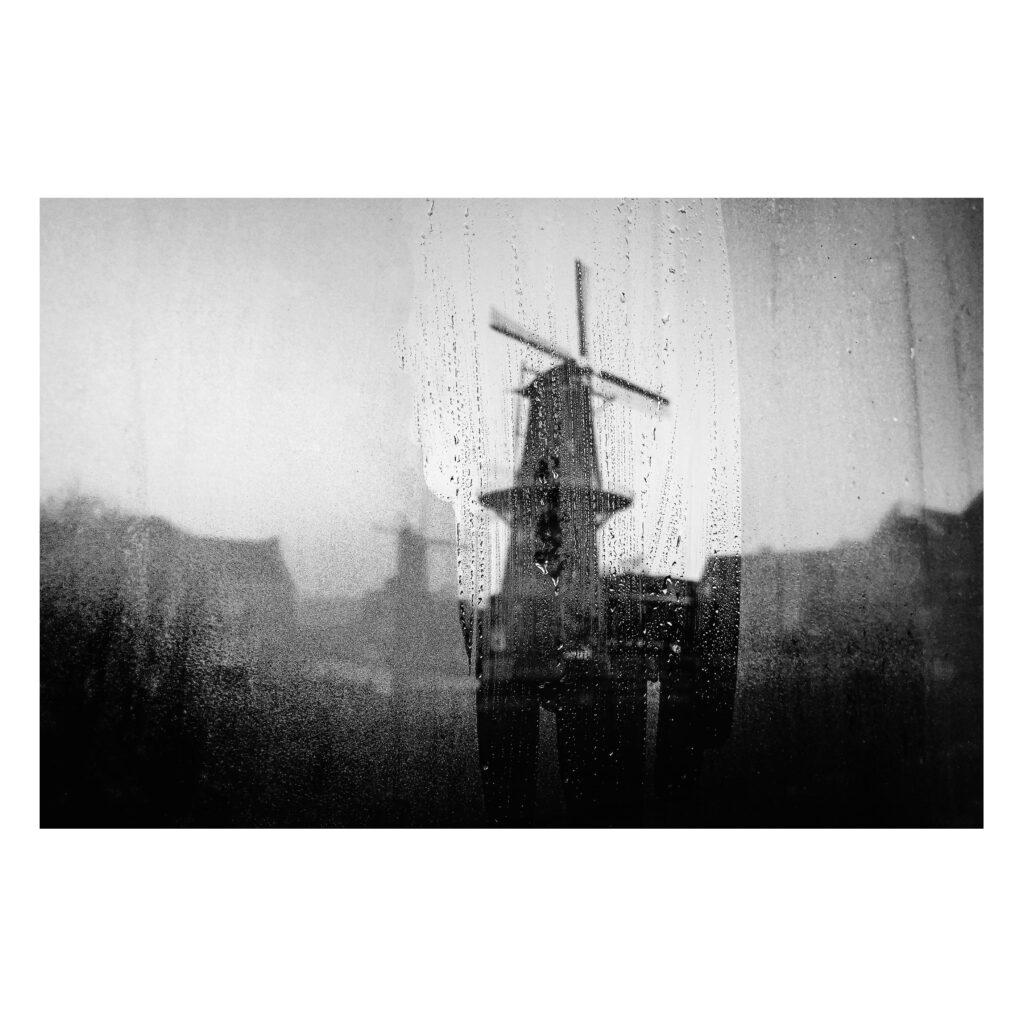 molen-reus-schiedam-door-beslagen-raam-straat-fotografie-robin-looy